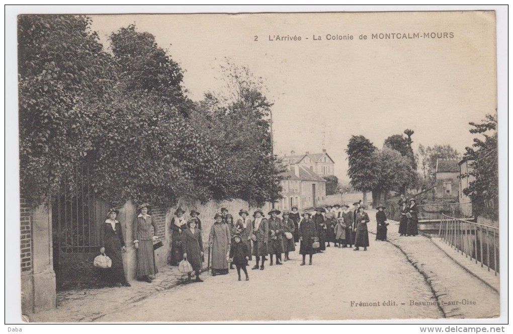 L' Arrivée. La Colonie De Montcalm-Mours. - France