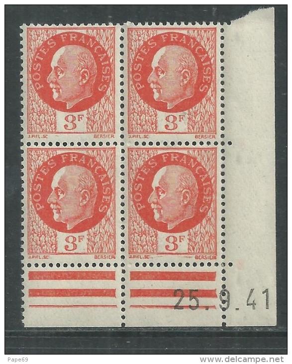 France N° 521 XX : Type Maréchal Pétain : 3 F. Orange  En Bloc De 4 Coin Daté Du 25 . 9 . 41 ; Sans Charnière, TB - 1940-1949