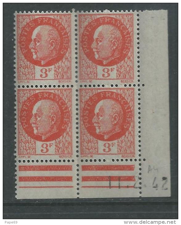 France N° 521 XX : Type Maréchal Pétain : 3 F. Orange  En Bloc De 4 Coin Daté Du 11 . 2 . 42 ; Sans Charnière, TB - 1940-1949