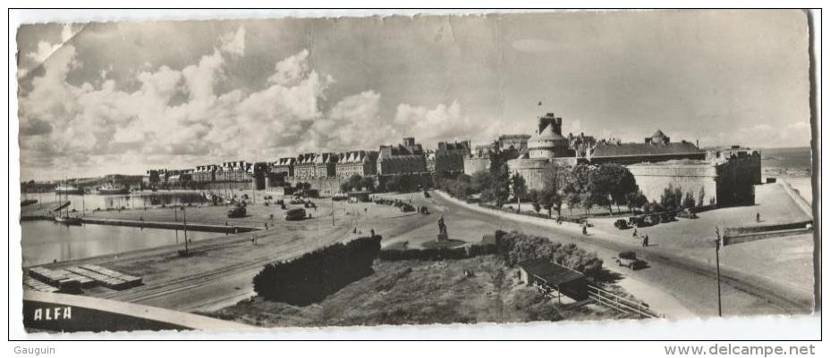 CPSM - ST MALO - CHATEAU Et PORTE ST VINCENT / Carte Panoramique - Edition ALFA/N°4001 (format 17X6.5) - Saint Malo