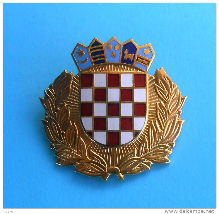 CROATIAN POLICE - Large Enamel Cap / Hat Badge By IKOM * Gendarmerie Gendarmeria Policia Polizei Polizia - Police