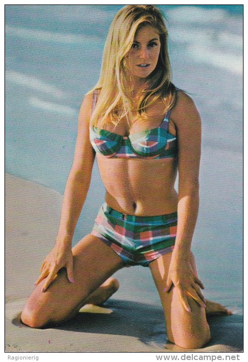 PIN UP - Donnina In Posa Sexy Sulla Spiaggia - Woman Pose - Bikini - 1971 - Pin-Ups