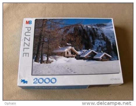 Puzzle Chalets Sous La Neige - Fait 1 Fois  - 2000 Pièces - Dimensions: 98,7 * 70,2 Cm - Marque: MB - Puzzles