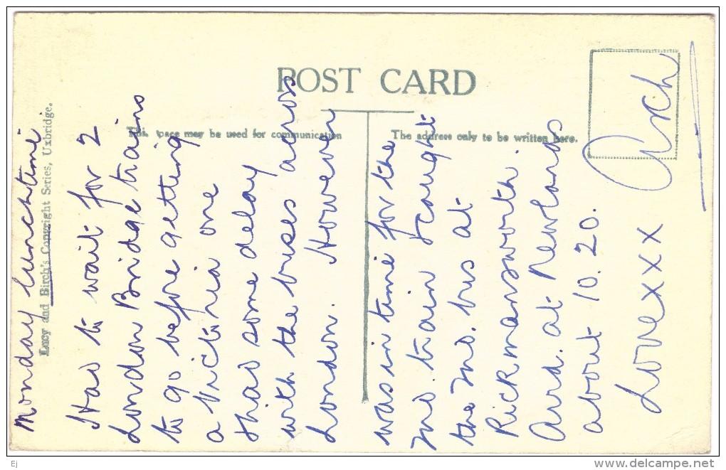 The Village Of Denham Black & White Postcard Circa 1940 - Buckinghamshire