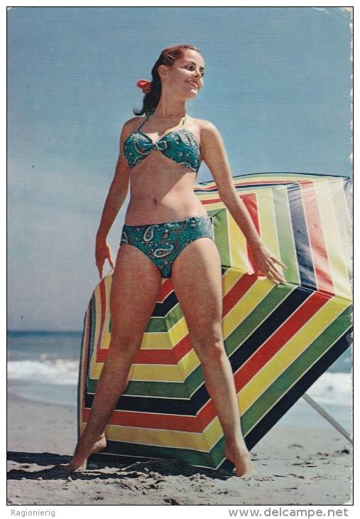 PIN UP - Donnina In Posa Sexy In Spiaggia - Bikini - Charme - Naked - Sexy Woman - 1957 - Pin-Ups