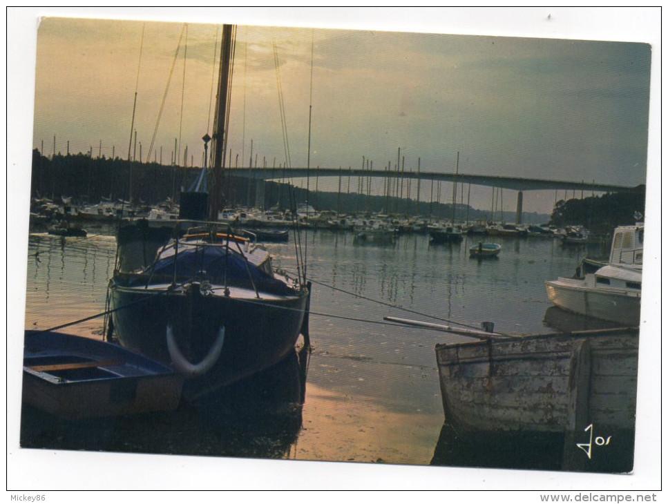 BENODET--1986--Coucher De Soleil Sur Le Pont De Cornouaille (bateaux),cpm N°5704 éd JOS-cachet AMNESTY INTERNATIONAL - Bénodet