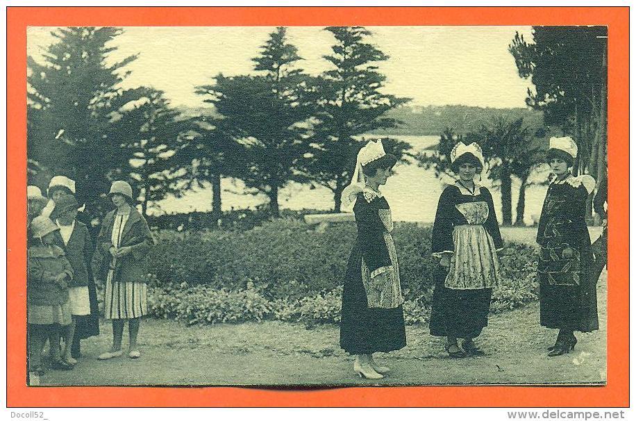 """Dpt  29  Kerfany Les Pins  """"  Le Square Botrel  """" - Autres Communes"""