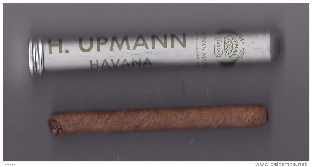 Cigare Dans Son étui  H. Upmann Havana  BE - Zigarrenetuis