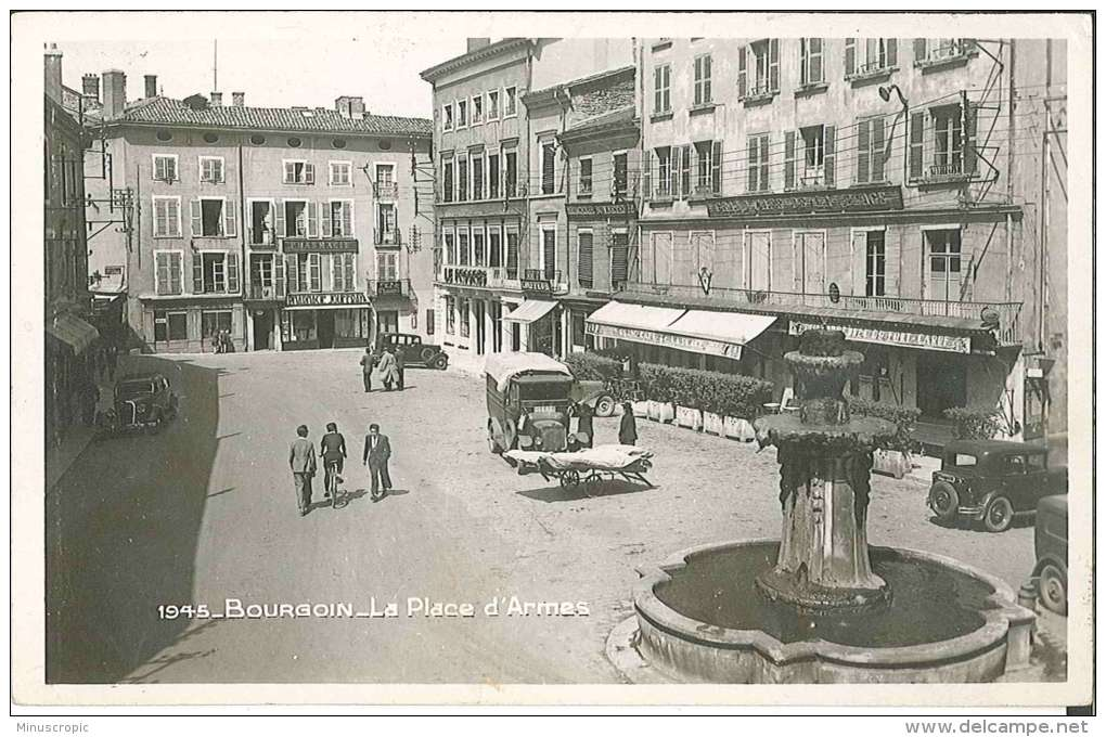 CPSM 38 - Bourgoin - La Place D'Armes - Bourgoin