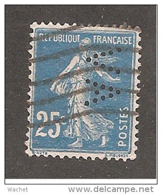 Perforé/perfin/lochung France No 140  AV  L' Abeille Assurance Vie  Ou  Alfred Videau - Perforés