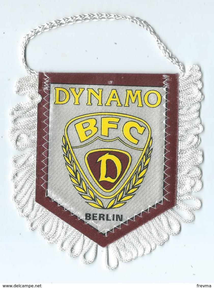 Fanion Football L'équipe De Dynamo Berlin - Apparel, Souvenirs & Other