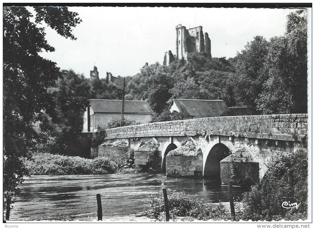 CPSM Dentelée - 41 - LAVARDIN - Le Chateau Et Pont Du Moyen Age -   10 X15  Bon état - - France