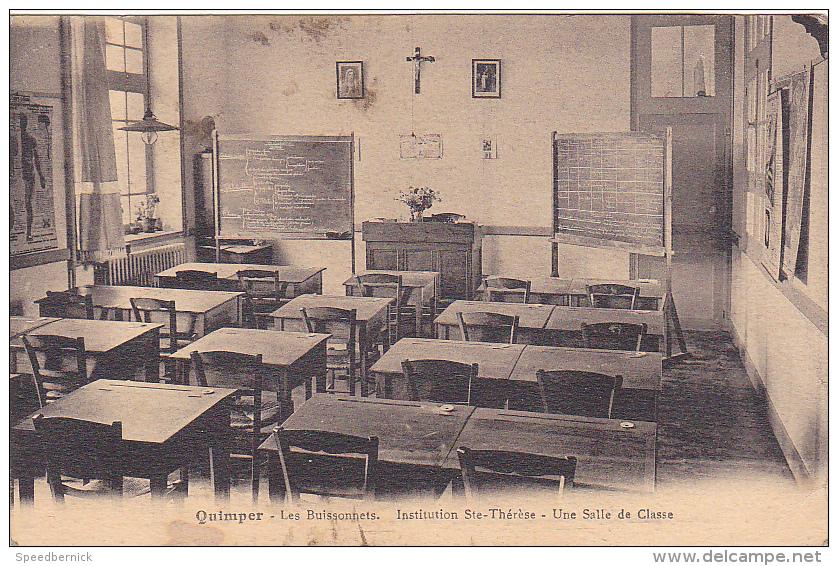 25418 QUIMPER - LES BUISSONNETS - INSTITUTION SAINTE-THERESE- Une Salle Classe -Villard - Ecole Religieuse Soeur - Quimper