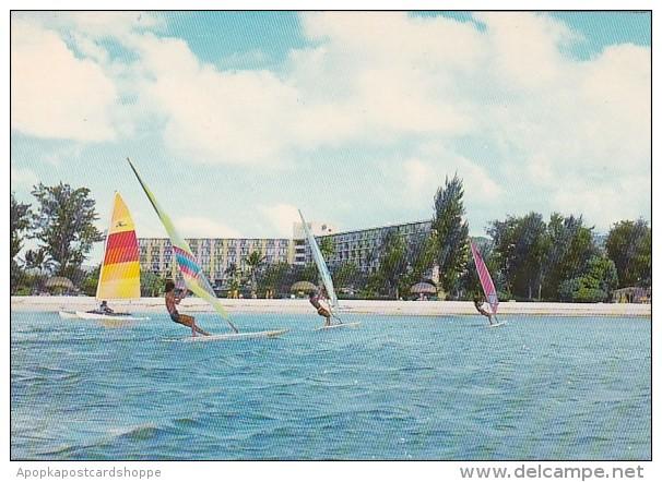 Saipan Windsurfing At Hyatt Regency - Marianen