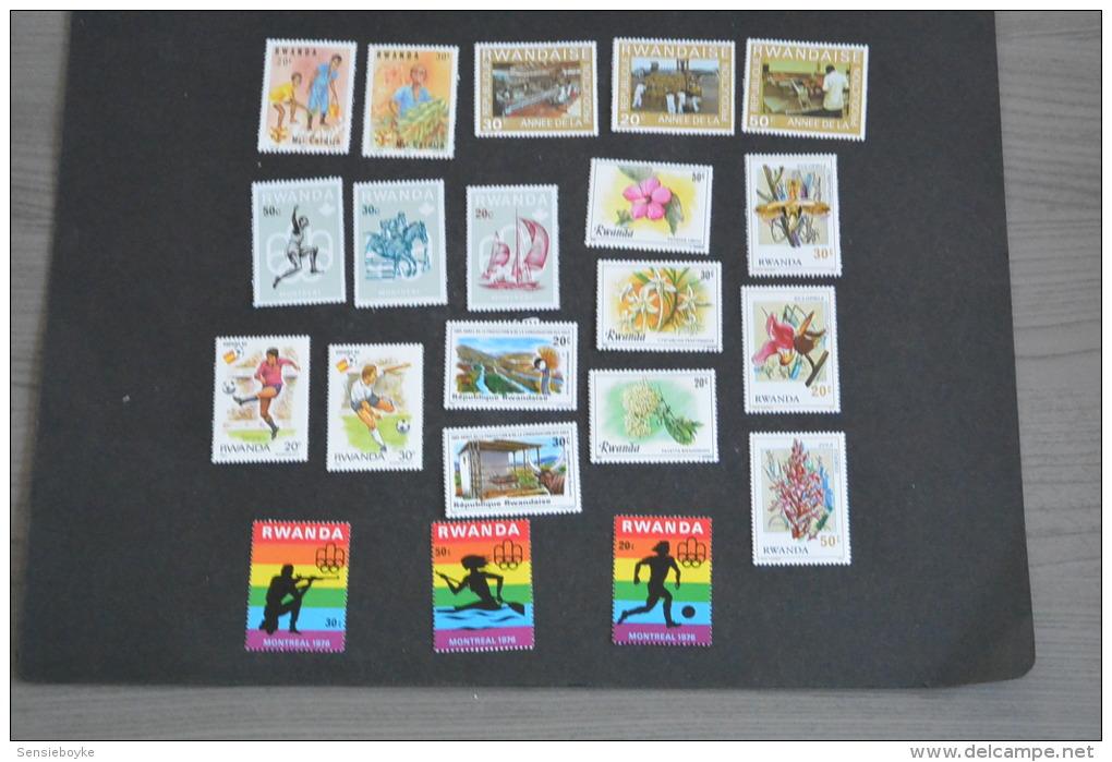 M25- Lot Stamps MNh Rwanda - - Collezioni