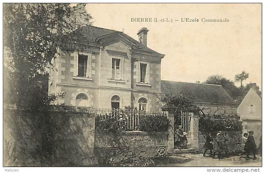 - Indre Et Loire - Ref A265 - Dierre - L Ecole Communale  - Enfants Sortant De L Ecole - - Other Municipalities