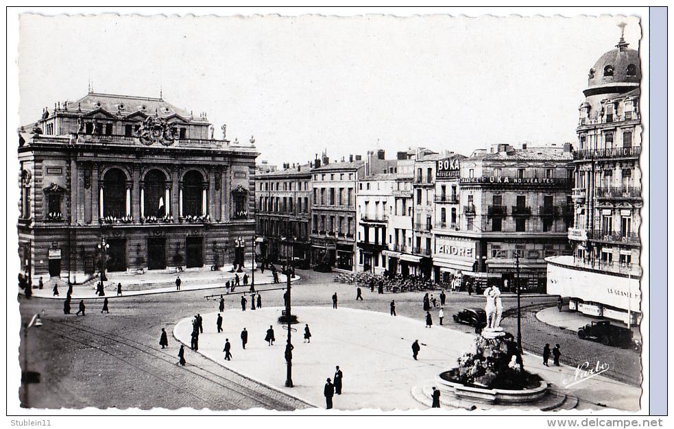 Montpelier (Hérault) Place De La Comédie      (CPSM, Bords Dentelés, Format 9 X 14) - Montpellier
