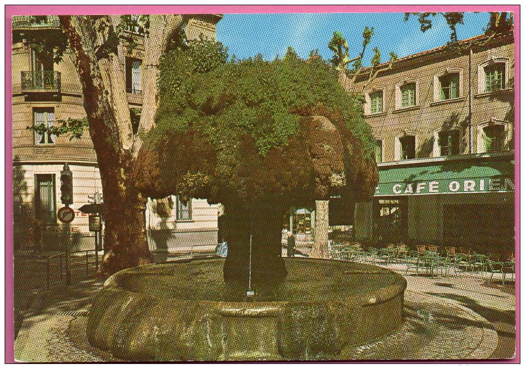 Salon De Provence - Fontaine Moussue - Salon De Provence