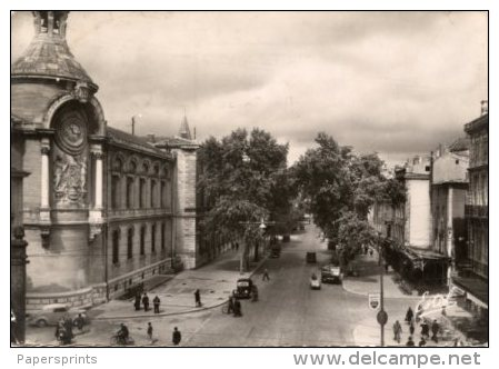 Francia - Cartolina Antica NIMES, LE BOULEVARD VICTOR HUGO ET LE LYCÉE 1952 - L96 - Nîmes