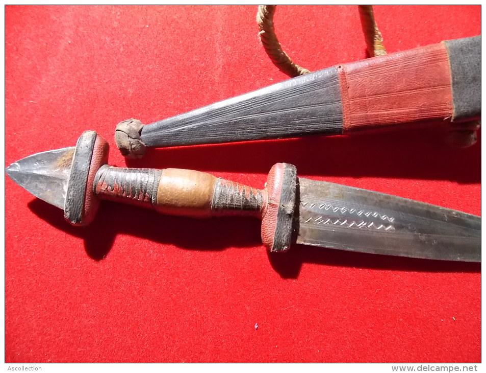 Couteau Africain Cuir Lame Decorée Etui Et Manche Cuir - African Art