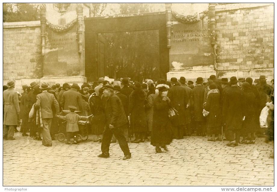 France Paris Fête De La Toussaint Cimetiere Du Pere Lachaise Ancienne Photo Manuel 1932 - Places