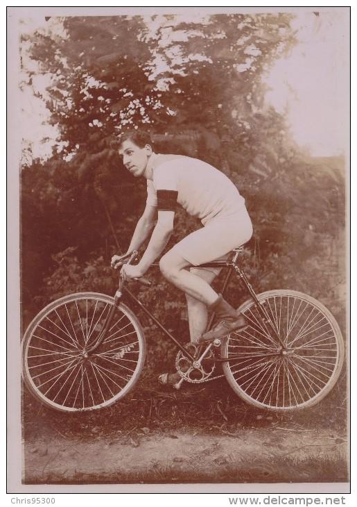 2 PHOTOS ANCIENNES - COUREUR CYCLISTE - CHAMPION VCC - VELO CLUB CHINON 37 INDRE ET LOIRE ? - VELO - BIKE - CYCLISME - Ciclismo