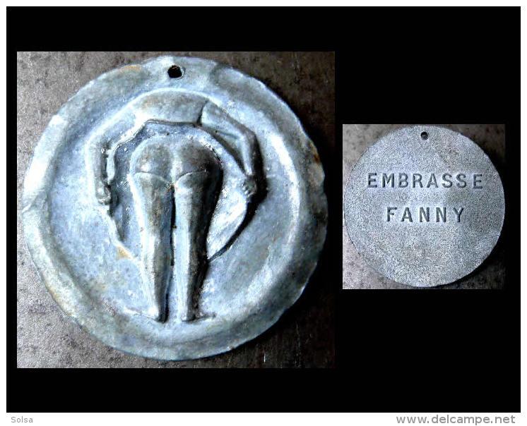 Jeton De Pétanque Ancien Embrasse Fanny Marseille  / Old Bowl Games Magnet Funny Erotic Twist - Pétanque