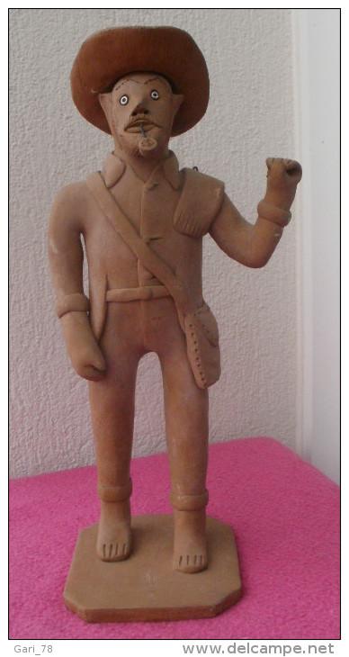 Statue, Sculpture : Personnage, Homme En Terre Cuite, Estampillé - Autres