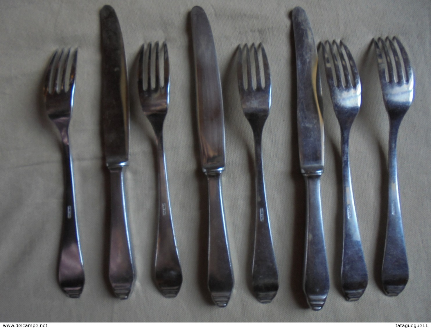 Ancien - Reste De Ménagère NOVESTA Solingen 8 Couverts Rostfrei - Forks