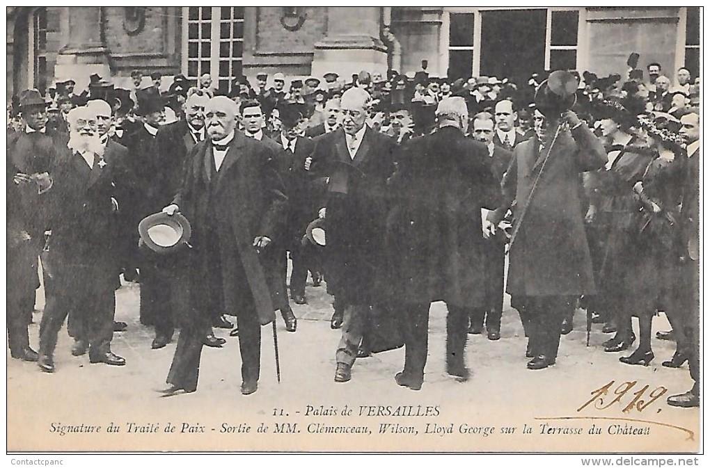 VERSAILLES  ( 78 )  -  Signature Du Traité De Paix   - Sortie De MM. Clémenceau , Wilson , Llyod George - Guerre 1914-18