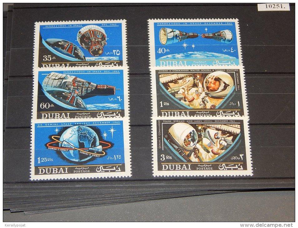 Dubai - 1966 Gemini 6 And Gemini 7 MNH__(TH-10251) - Dubai