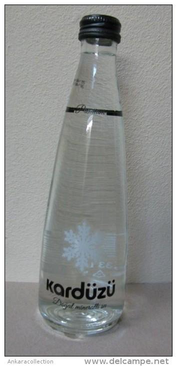 AC - KARDUZU NATURAL MINERAL WATER UNOPENED GLASS BOTTLE 330 Ml FROM TURKEY - Andere Verzamelingen