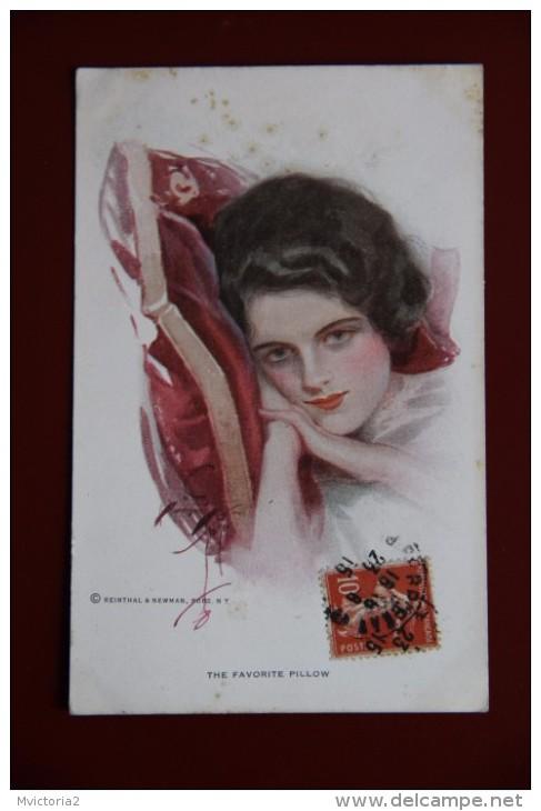 Le Coussin Favori, The Favorite Pillow - Femmes
