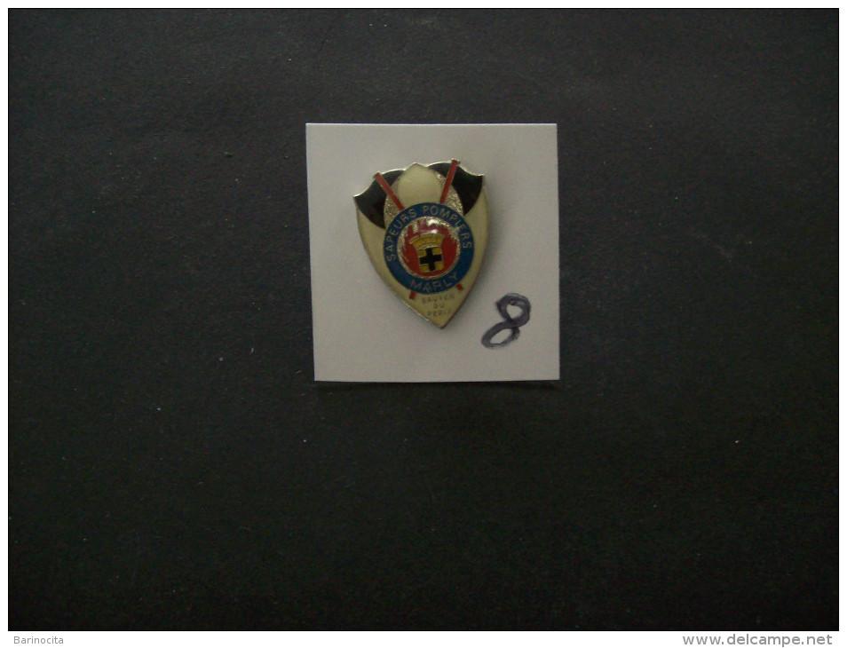 """PIN´S - POMPIERS """" MARLY  """"  - Voir Photo (8) - Brandweerman"""