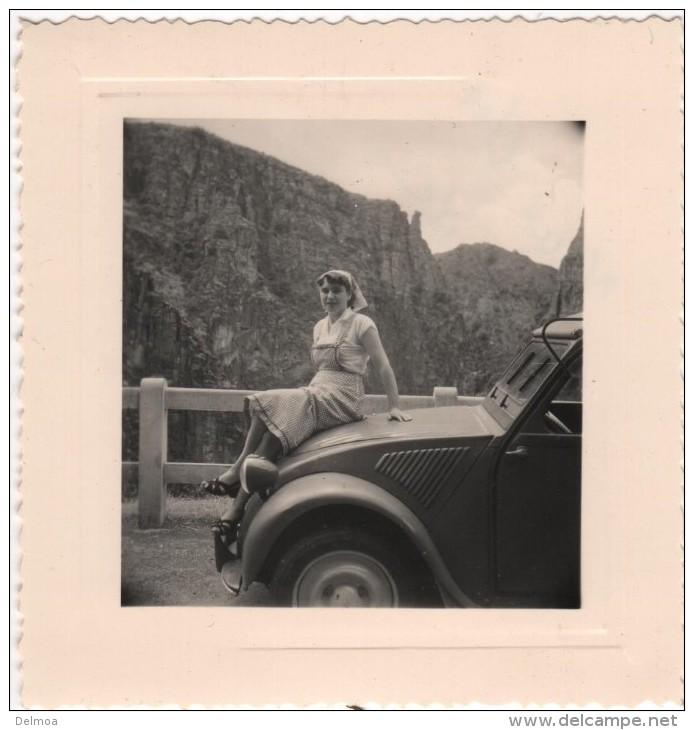 Photo Originale La CITROEN 2CV Du 04 En Vacances Dans Les Gorges De Daluis - Cars