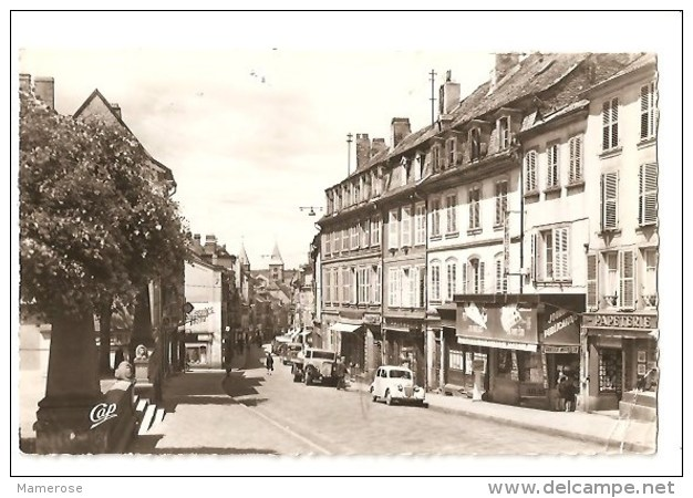 SARREBOURG (57). La Grand´Rue. Commerce: Magasins. Camions, Voitures - Sarrebourg