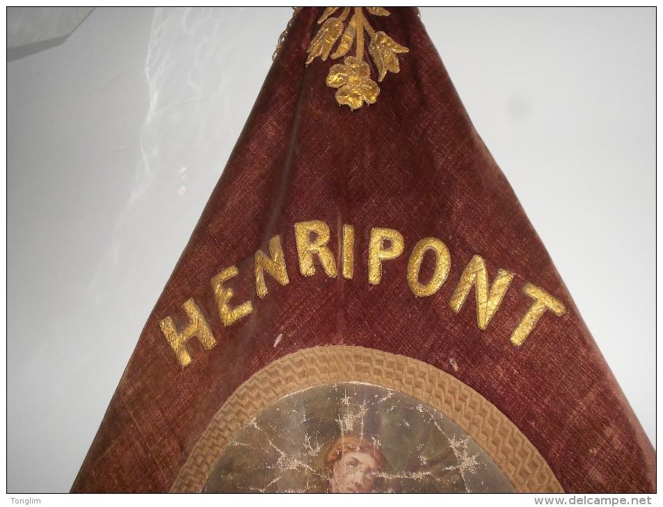 HENRIPONT   DRAPEAU   DE LA SOCIÉTÉ  DES AFFORAINS 1848 Henripont - Drapeaux