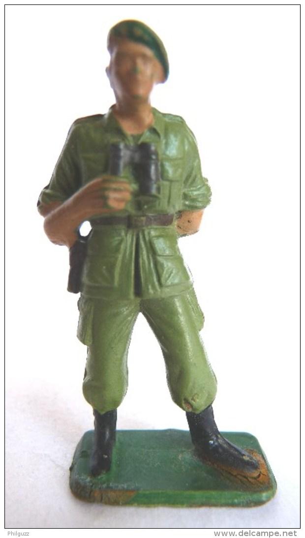 SOLDAT FIGURINE FIG STARLUX 1968 OFFICIER BERET VERT JUMELLES 5367  ETAT MAJOR - Starlux