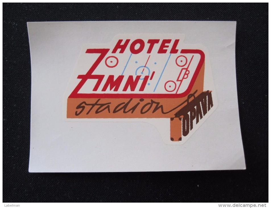 HOTEL CEDOK ZIMNI STADION OPAVA CSSR CZECH BULGARIA CROATIA POLAND LUGGAGE LABEL ETIQUETTE AUFKLEBER DECAL STICKER - Etiketten Van Hotels