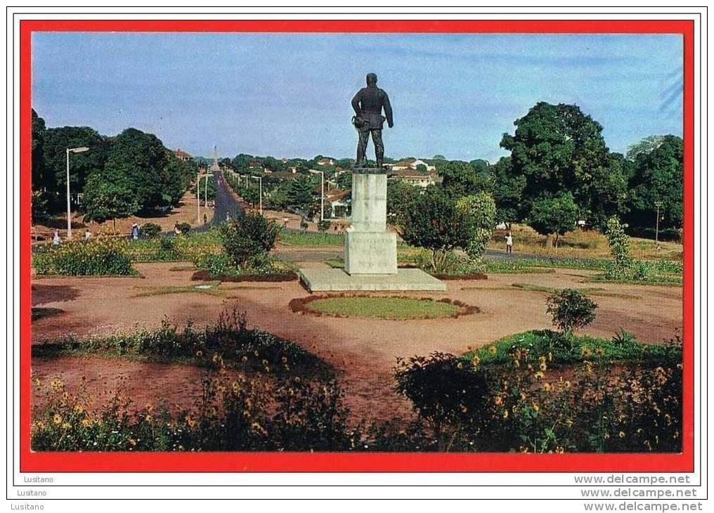 Guine Bissau Guinea Monumento Teixeira Pinto Portugal Ex Colony( 2 Scans ) Guinee - Guinea-Bissau