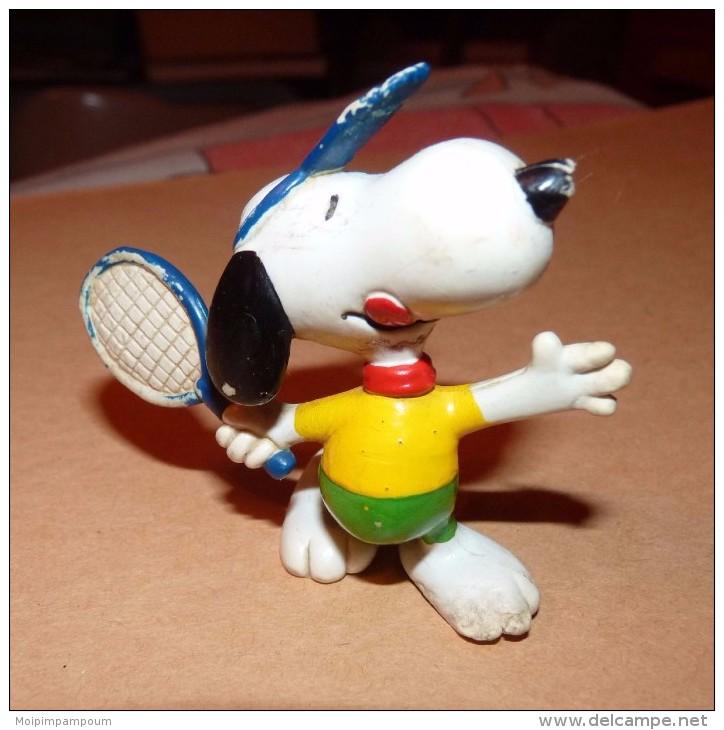 Snoopy - Figurine Schleich GERMANY UFS 6 CM / JOUEUR DE TENNIS - Snoopy