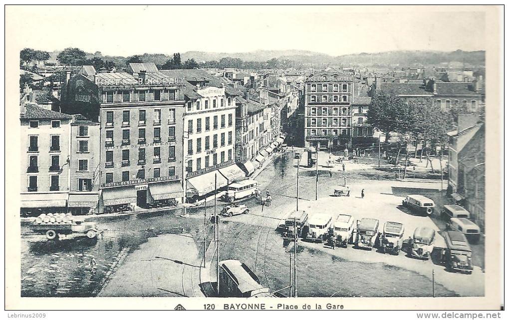 BAYONNE - Place De La Gare - Bayonne