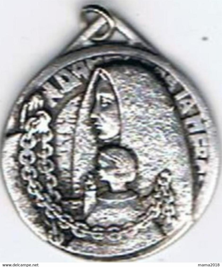Médaille  Aumonerie Des Prisonniers De Guerre  (bas Marqué Loire ) - Non Classés