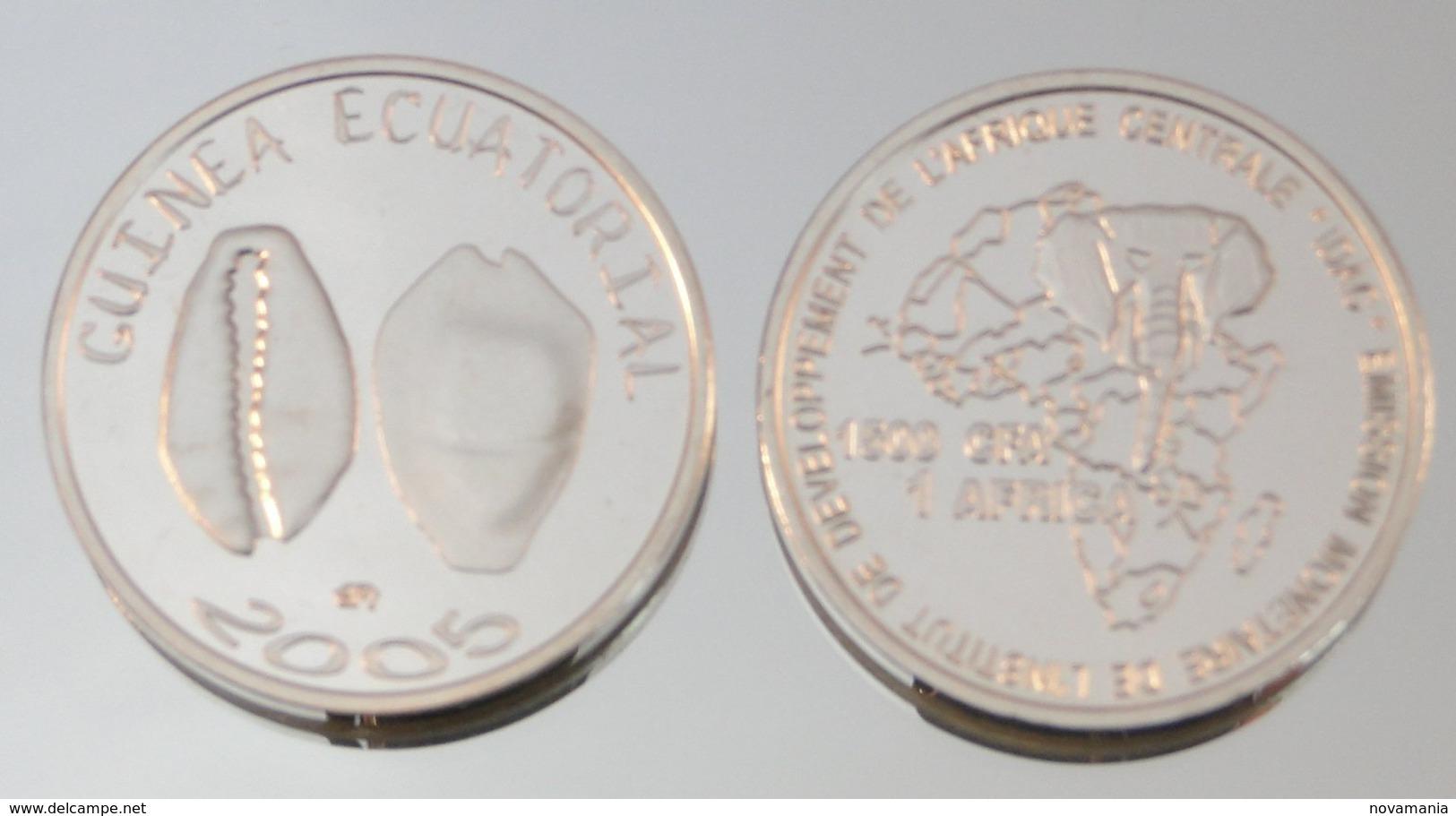 Guinée équatoriale 1500 CFA 2005 Argent Pur .999 Monnaie Primitive - Equatoriaal Guinea