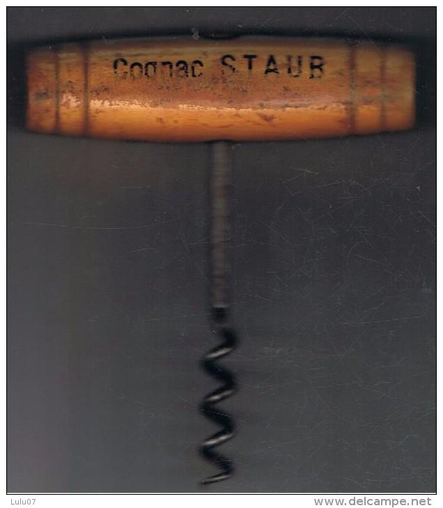Tire Bouchon  Bois   Cognac Staub    Forme Tonneau   10.5 Cm X 9 Cm X 2.5 Cm - Apri-bottiglie/levacapsule