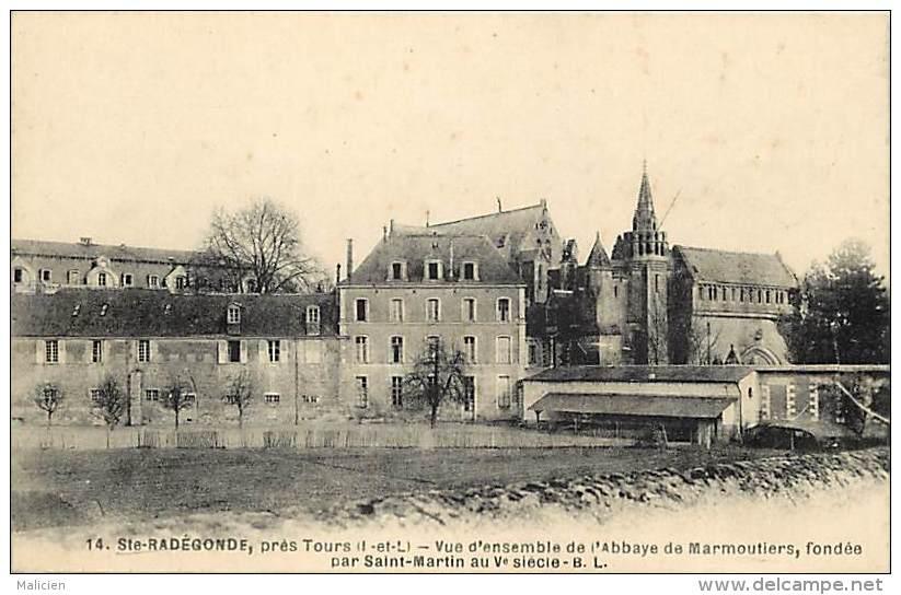 - Indre Et Loire -ref A511 - Sainte Radegonde - Ste Radegonde - Vue D Ensemble De L Abbaye De Marmoutier - Abbayes - - France