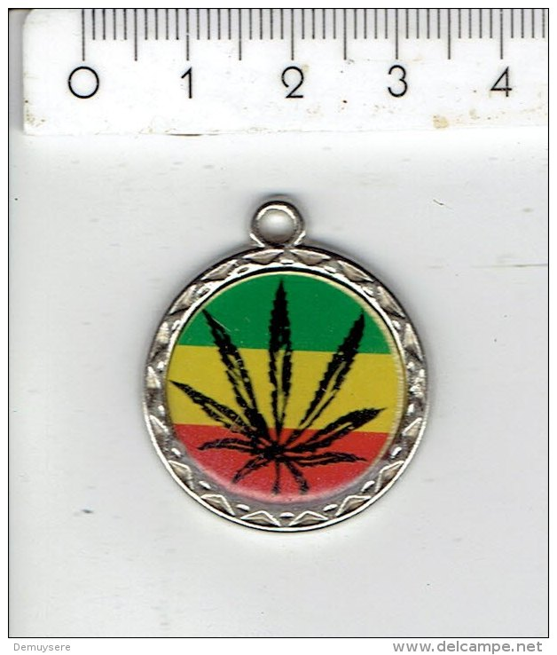 Medaille  014  - - Jetons & Médailles