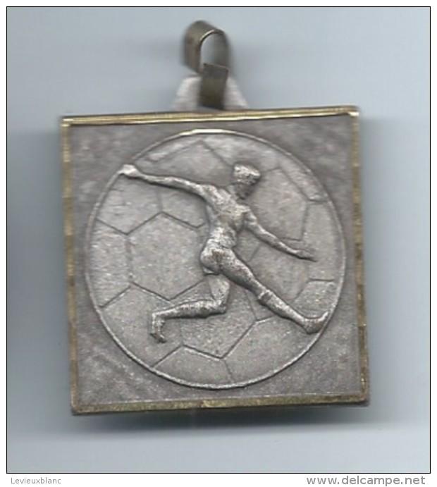 Médaille/ Foot-Ball/ FCR / Mai 1983         SPO98 - Football