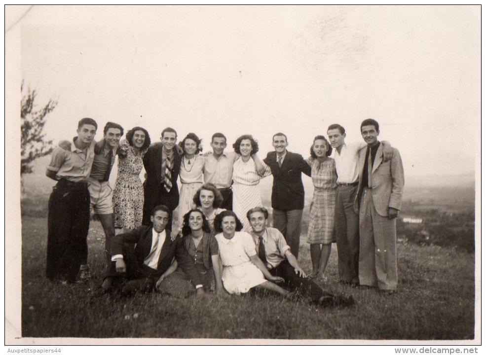 Photo Originale Groupe - Bande De Jeunes Dans Un Champ Dans Les Années 40 ! - Anonyme Personen