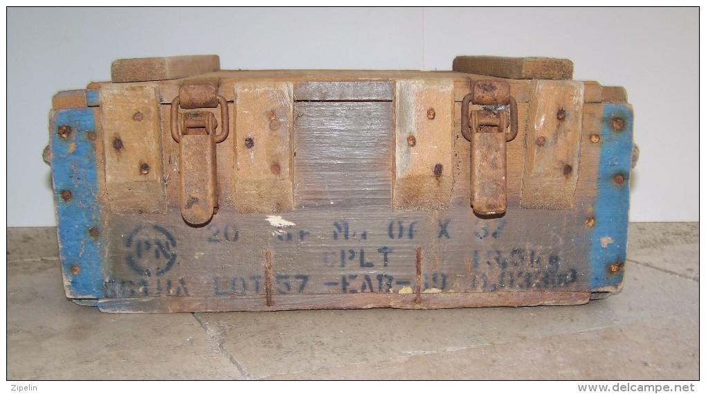 equipement caisse munitions en bois de 20 grenades offensives mod le 1937 ww2. Black Bedroom Furniture Sets. Home Design Ideas